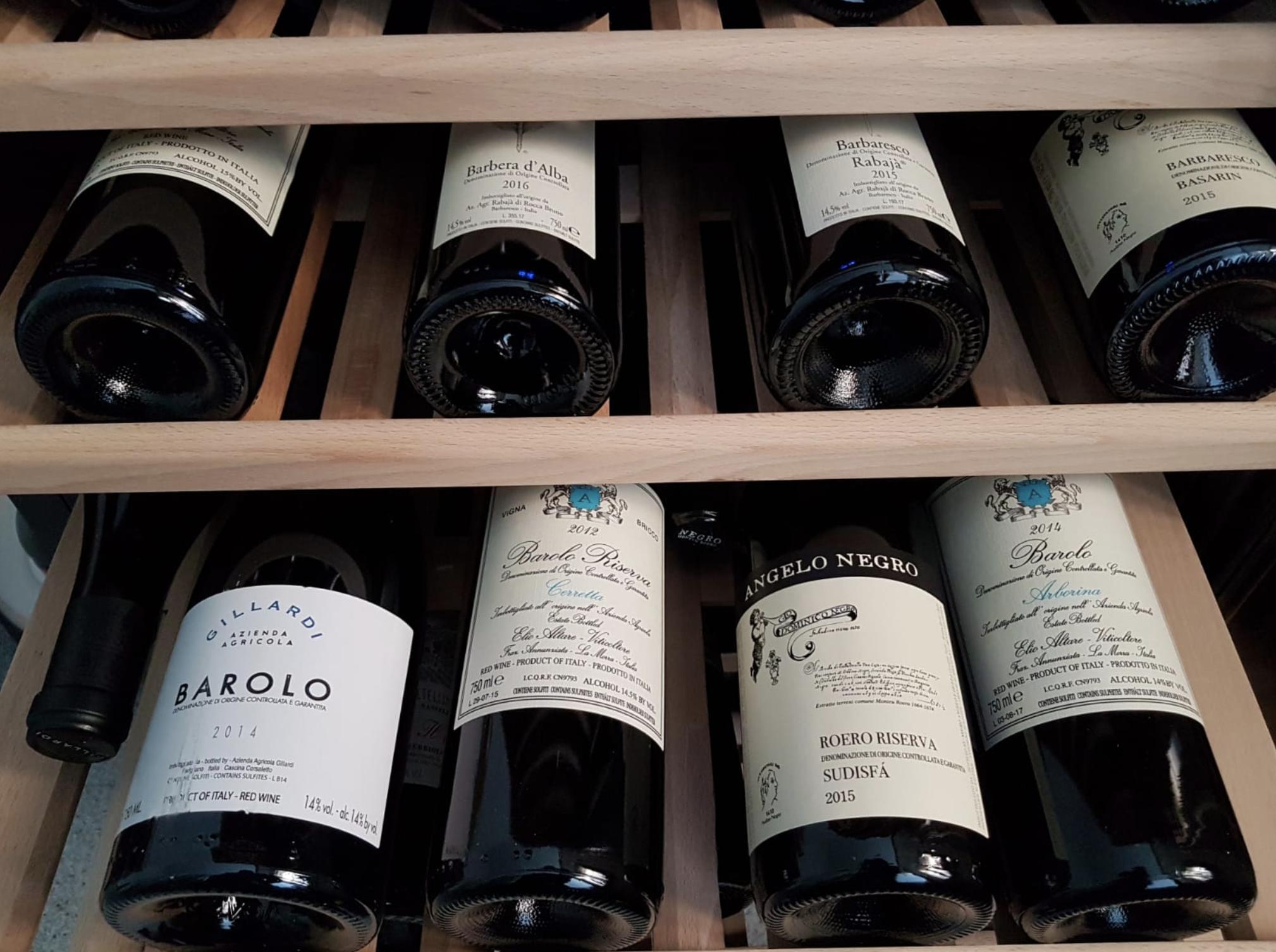 Soul Restaurant, bottiglie di vino del ristorante a Legnano